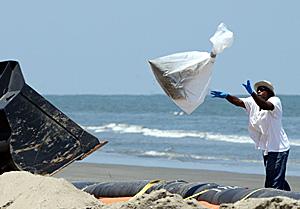 Derrame de petróleo: aumentan problemas de salud mental en el Golfo de México