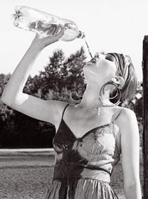 ¿Quieres perder peso rápido? Bebe agua o gaseosas light