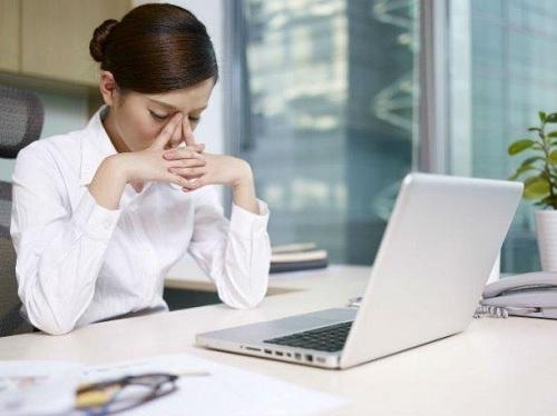 Trabajar todo el día sentado = Un peligro para la salud