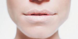 ¿Cómo evitar los labios agrietados y feos?