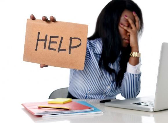 Mujer estresada trabajo