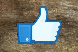 """El botón """"No me gusta"""" aterrizó en Facebook como """"Me enfada"""""""