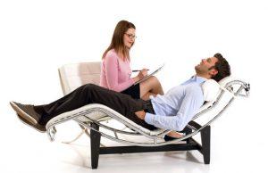 No es recomendable obligar a un joven a ir al psicólogo