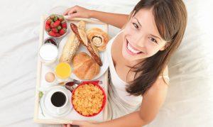 10 Alimentos que debes evitar para dormir bien