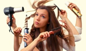 Cómo evitar que el pelo se dañe al usar las planchas de alisado