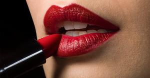 Belleza ultravioleta: ocho productos para lucir el color más seductor y lujoso del año