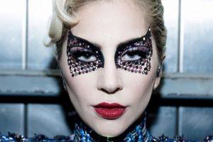"""""""Me gusta romper las reglas con el maquillaje"""": Sarah Tanno, maquilladora de Lady Gaga"""