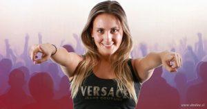 Mari Almazábar se luce con look al estilo JLo para su nuevo videoclip