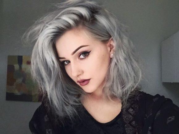 Moda de pelo color gris