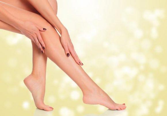 Cómo exfoliar glúteos y entre pierna