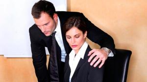 ¿Cómo actuar frente a un caso de acoso sexual u hostilidad laboral?