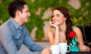 10 rasgos que los hombres buscan en una chica