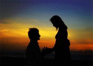 ¿Qué sentimos al enamorarnos por primera vez?