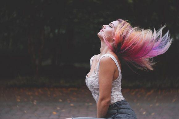 cabello que cambia de color