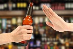 ¿Se puede beber  licor antes o después de ser vacunado contra el Covid-19?